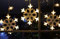 Dekortrend Beltéri HÓESÉS fényfüggöny, 57 meleg fehér LED, 1x0,65 méter, átlátszó kábel  DT_KDH_002 